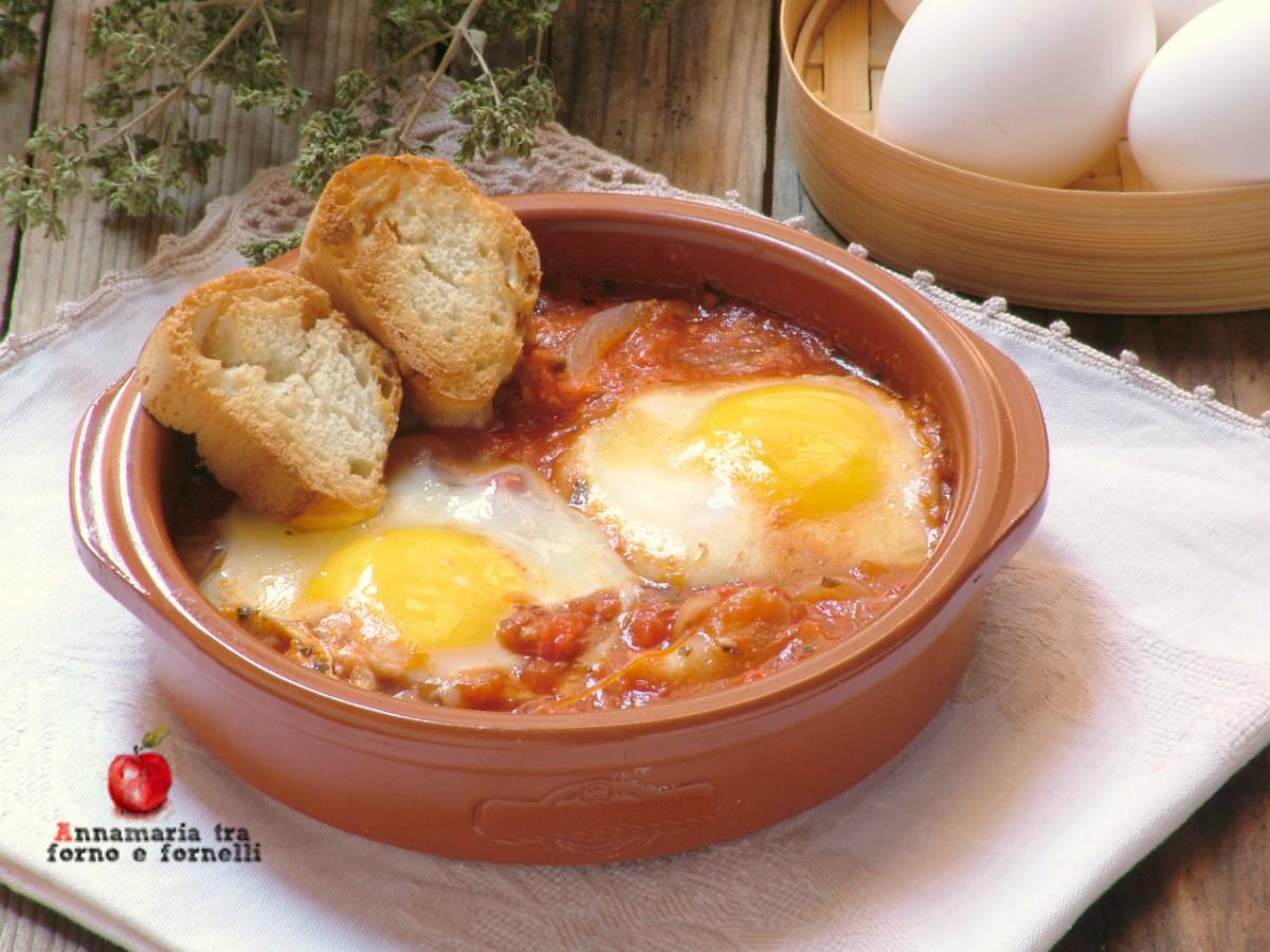 uova al pomodoro con cipollata
