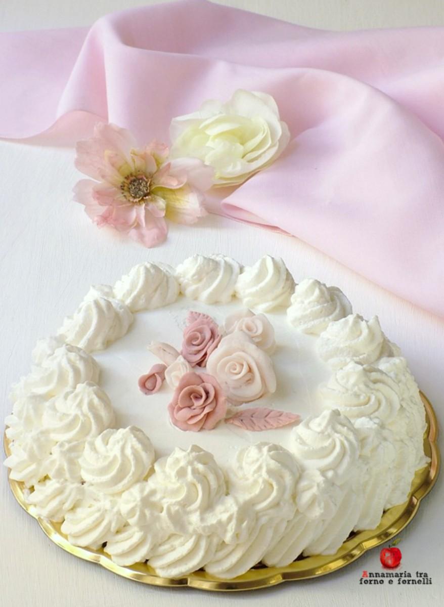 verticale torta con crema al torroncino