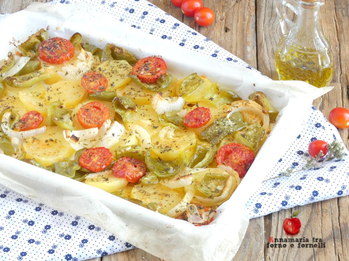 contorno di patate cipolle e peperoni