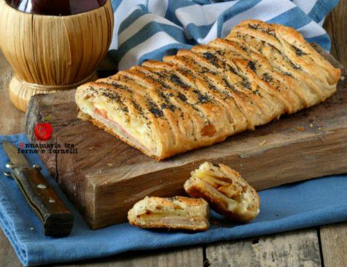 Pasta sfoglia con patate scamorza e salame