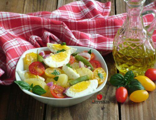 Insalata di patate uova e pomodorini