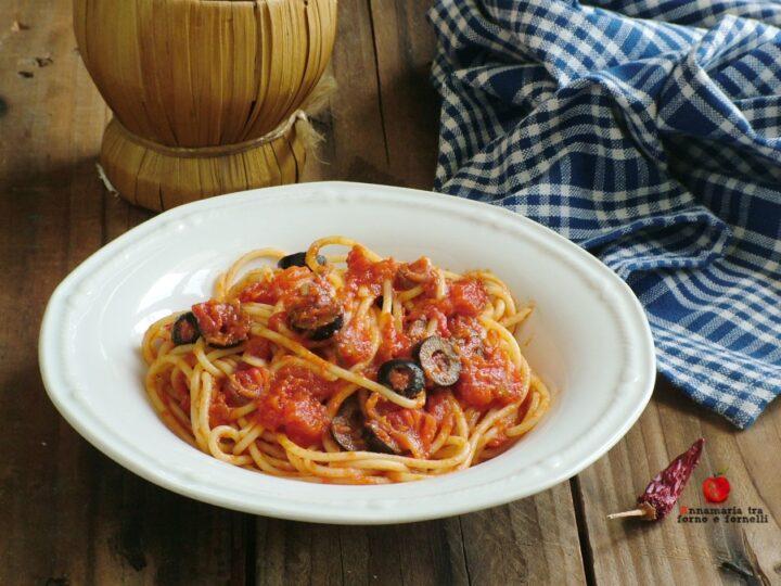 pasta con sugo alle olive