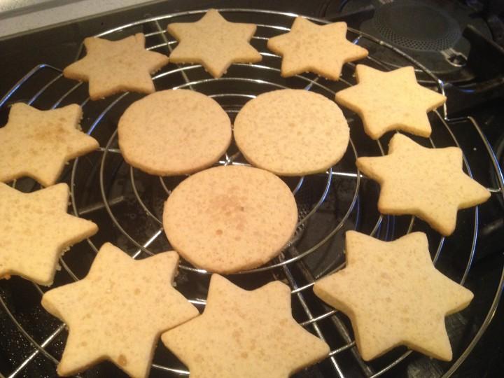 Biscotti di Natale al profumo di cannella e miele