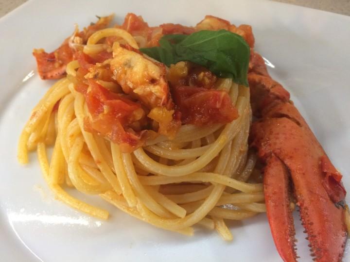 Spaghetti con astice e pomodorini