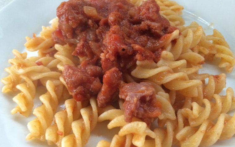 Fusilli con ragù di salsiccia (ricetta senza glutine)