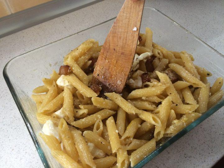 Pasta al forno bianca con pancetta