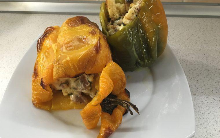 (Italiano) Peperoni ripieni pancetta provola e crostini