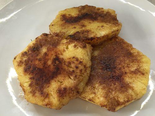 (Italiano) Ananas miele e cannella al forno