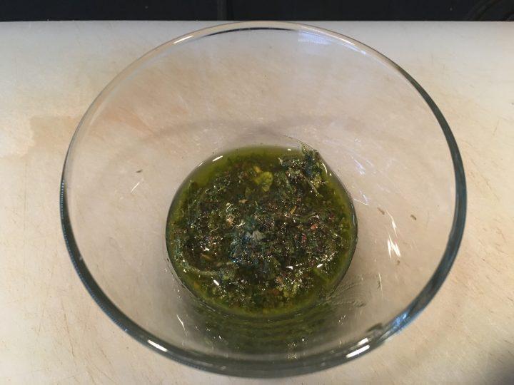 Asado con salsa chimichurri