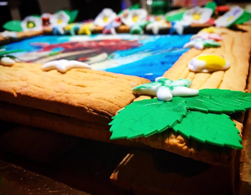 Torta 3 strati con decorazioni in pasta di zucchero i for Pasta di zucchero decorazioni