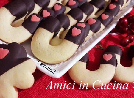 Biscotti di pasta frolla e cioccolato fondente