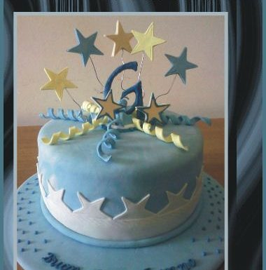 Torta decorata G | pasta di zucchero