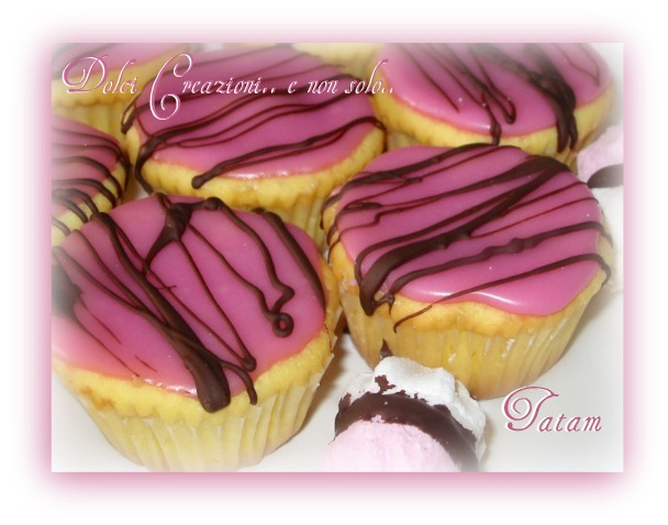 Cupcakes Decorati con cioccolato fondente