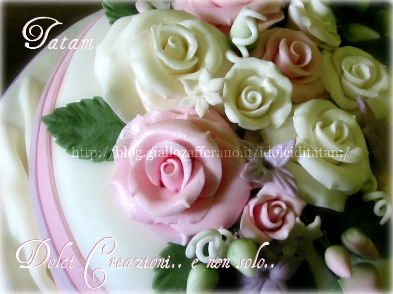 torta decorata rose perlate 1