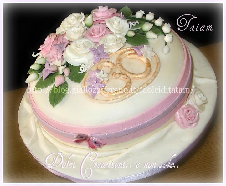 torta decorata rose perlate 2