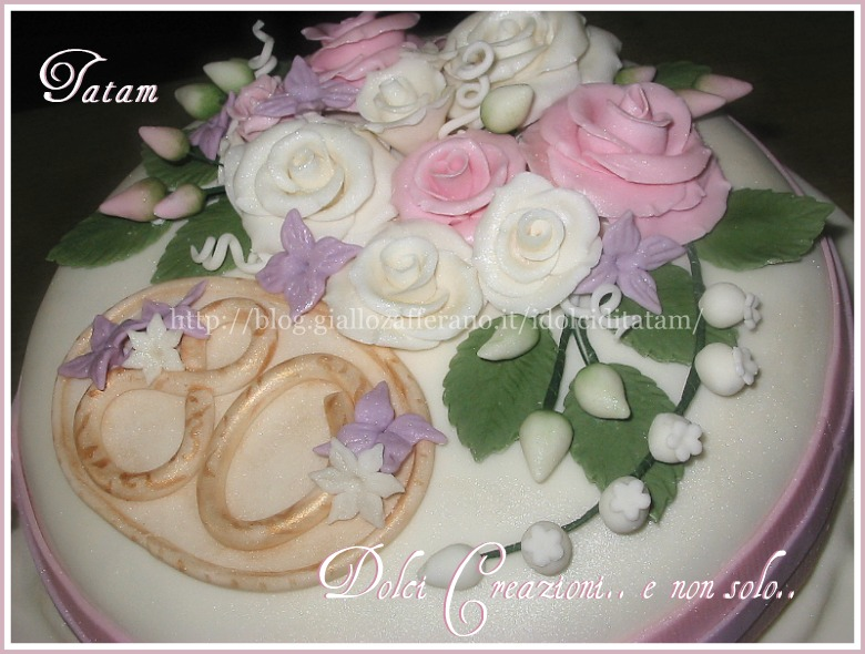 torta decorata rose perlate 3