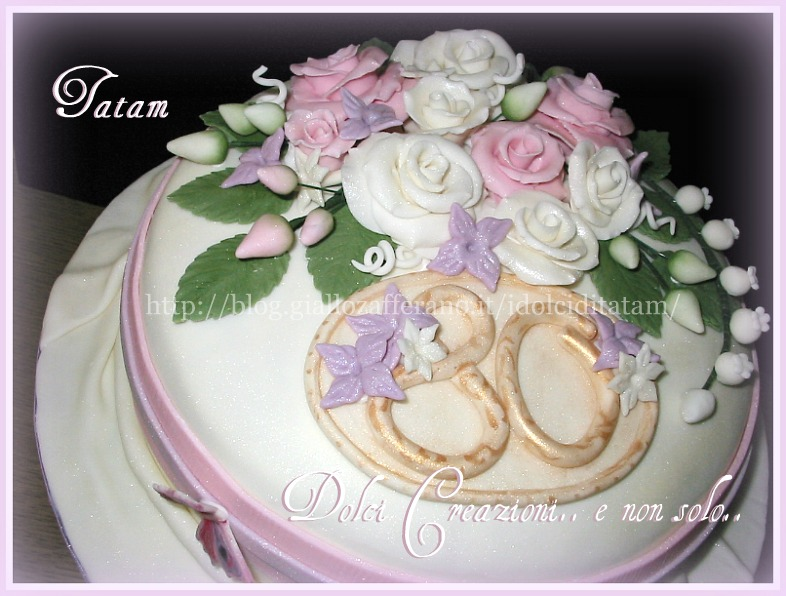 torta decorata rose perlate 5