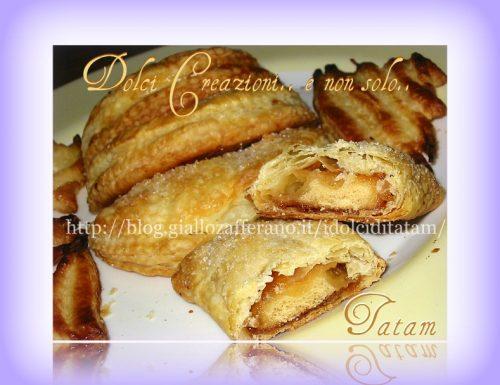 Mezzelune fragranti farcite | ricetta gustosa
