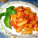 Pasta Pomodoro Basilico e Mozzarella filante