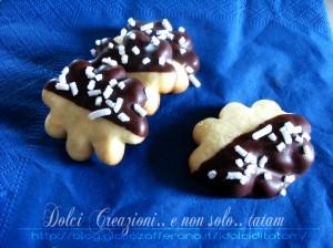 nuvolette al cioccolato biscotti