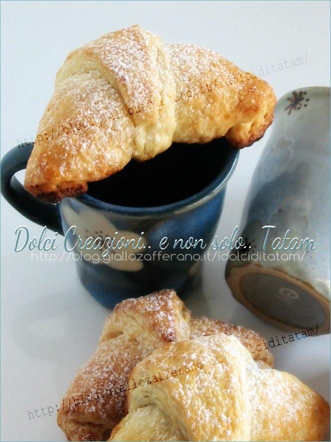Croissant sfogliati ma senza zucchero, alla nutella