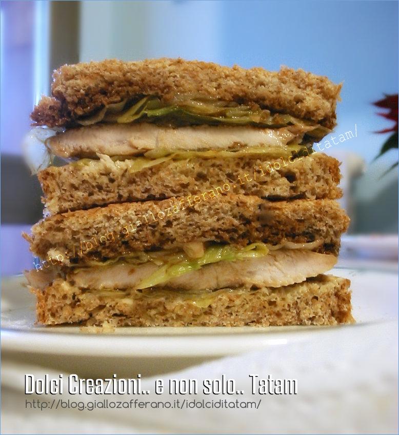 Sandwich di pollo con pane integrale