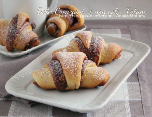 Cornetti di pan brioche alla nutella