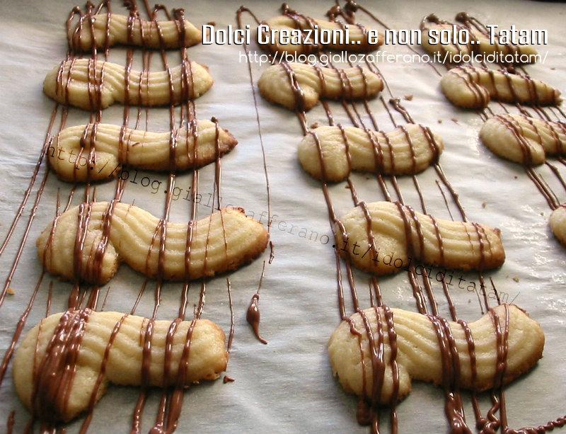 Biscotti da the variegati al cioccolato