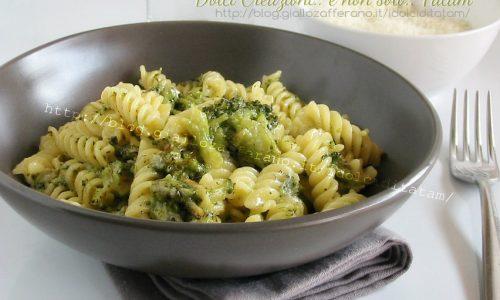 Pasta con broccoli e gorgonzola
