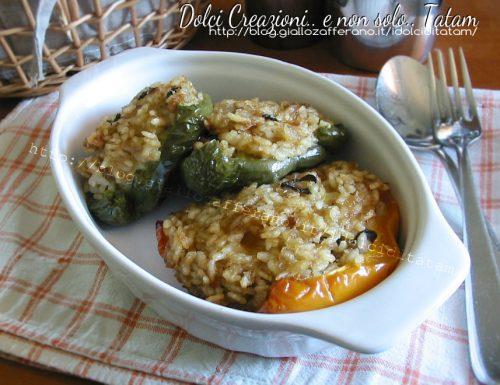 Peperoni ripieni di riso al forno