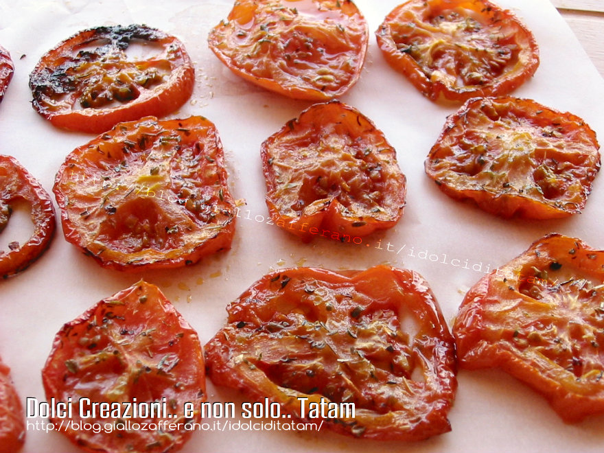 Pomodori arrostiti al forno incominciare con accendere il forno ...