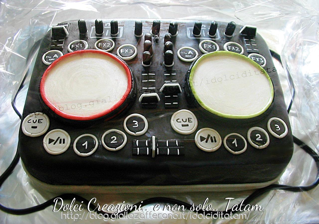Torta decorata Console Dj