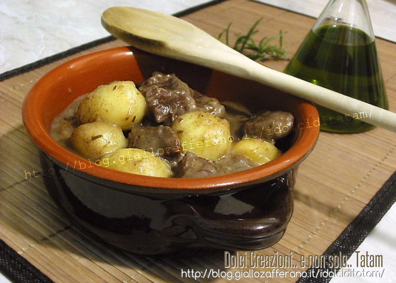 Spezzatino con patate in pentola a pressione | ricetta veloce