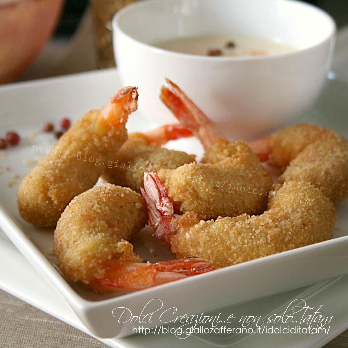 Gamberoni fritti al sesamo con salsa alla paprika