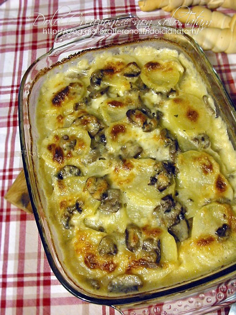 Pasticcio di patate e funghi al formaggio