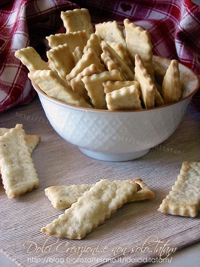 Crackers veloci alla paprika piccante