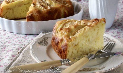 Torta soffice allo yogurt e mele senza burro