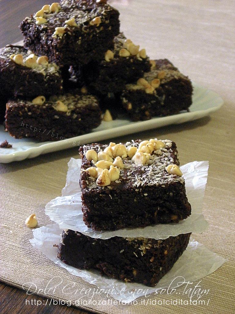 Brownies al cocco e cioccolato bianco