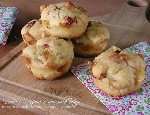 Muffin salati con speck e formaggi, stuzzichini