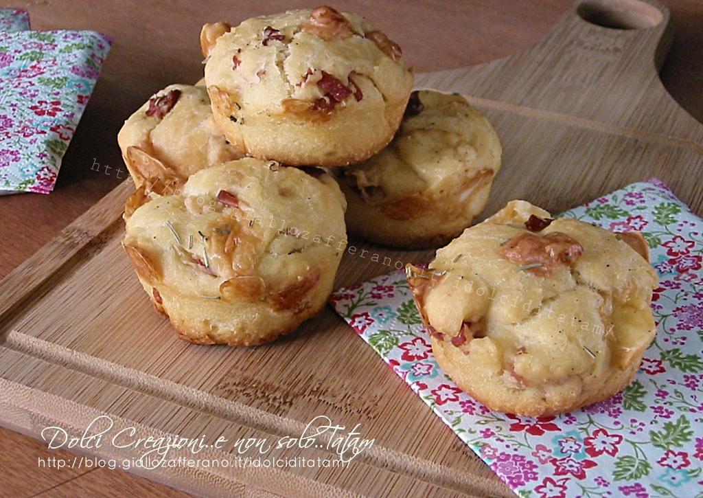 Muffin salati con speck e formaggi1