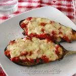 Melanzane ripiene pomodoro e mozzarella al forno, video ricetta