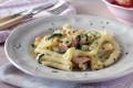 Pasta con zucchine e salmone affumicato