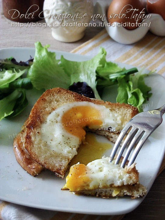 Toast con uovo
