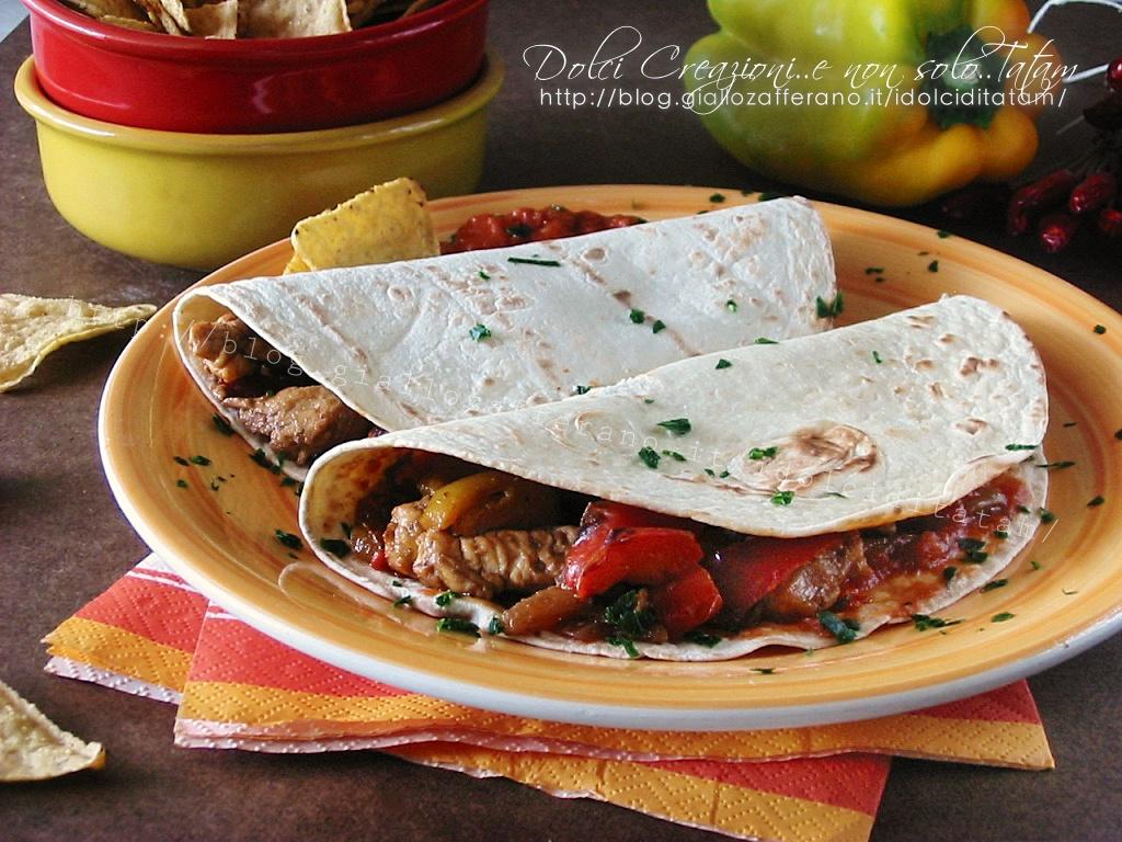 Fajitas di pollo e tortillas