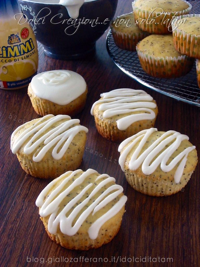 Muffin al limone e semi di papavero2