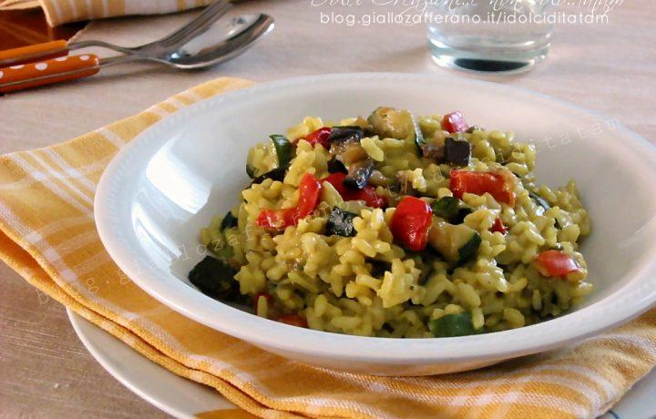 Risotto alle verdure e curcuma, ricetta leggera e salutare