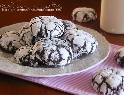 Biscotti al cacao morbidi Chocolate crinkle cookies