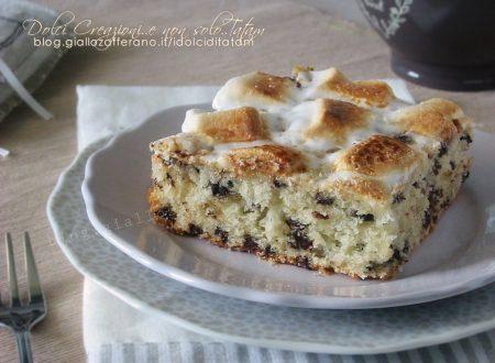 Torta di marshmallow con gocce di cioccolato e yogurt greco