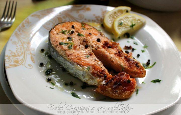 Salmone al pepe alla griglia o in padella, ricetta facile e leggera
