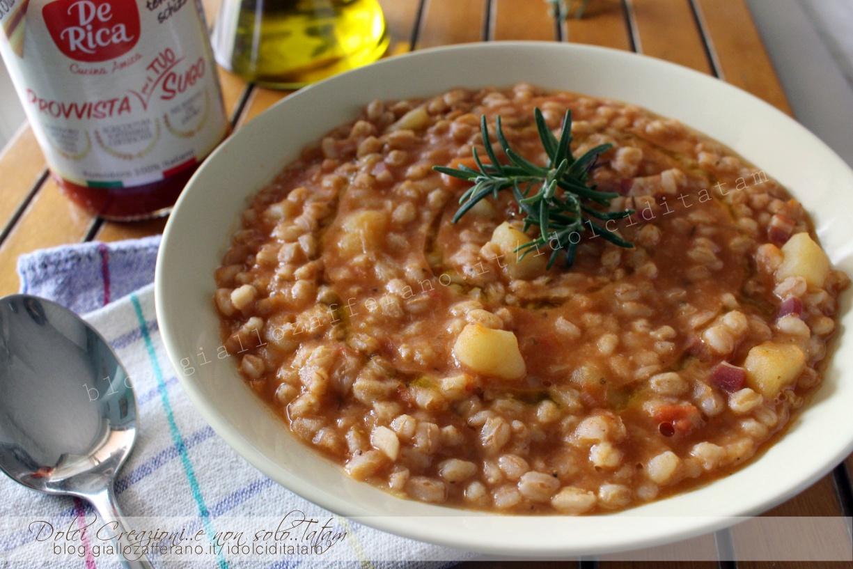 Zuppa di farro con patate al pomodoro